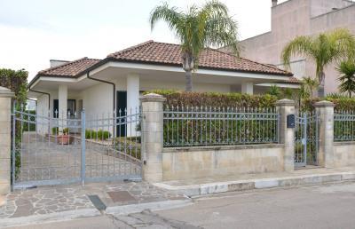 Vai alla scheda: Villa o villino Affitto/Vendita - Cursi (LE) - MLS CBI056-550-LE417