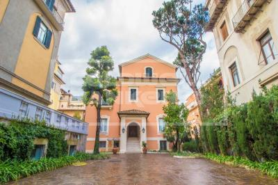Office for Rent to Roma