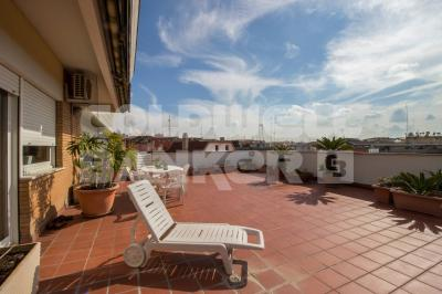 Penthouse for Sale to Roma