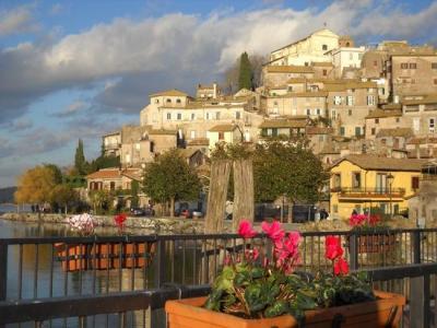 Villa for Sale to Anguillara Sabazia