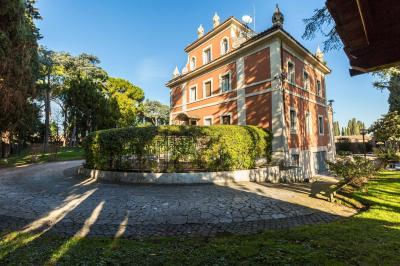 Vai alla scheda: Villa singola Vendita - Roma (RM) | Appio Latino - MLS CBI100-143-43521MQ