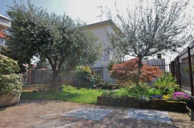 Vai alla scheda: Villa o villino Vendita - Busto Arsizio (VA) | Cimitero - MLS CBI003-506-hob 1067