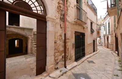 Vai alla scheda: Stabile / Palazzo Vendita - Conversano (BA) - MLS CBI094-169-BA016
