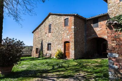 Rustico/Casale/Corte in Vendita a Perugia