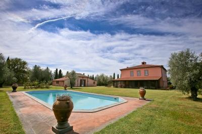 Villa for Rent to Magliano in Toscana