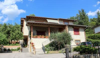 Vai alla scheda: Casa Semindipendente Vendita - Assisi (PG) - MLS CBI060-372-1296956