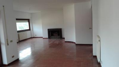 Vai alla scheda: Appartamento Affitto - Roma (RM)   Cortina dAmpezzo - MLS CBI046-198-40172