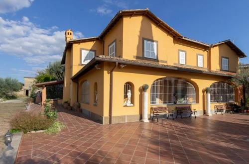 Vai alla scheda: Villa Vendita - Frascati (RM) - MLS -CBI047-201-520049