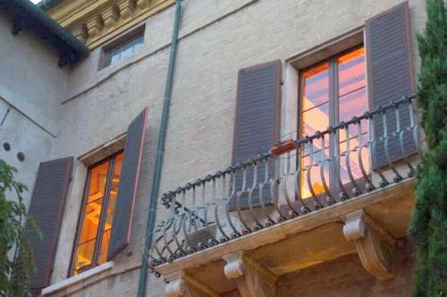 Vai alla scheda: Ufficio Affitto - Ravenna (RA)   Centro storico - MLS CBI099-808-Palazzo di prestigio