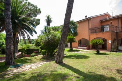 Portion of villa for Sale to Fiumicino