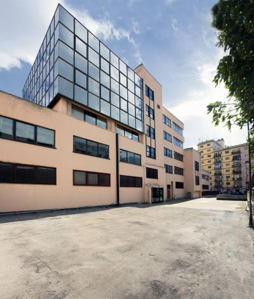 Commercial Property for Rent to Taranto