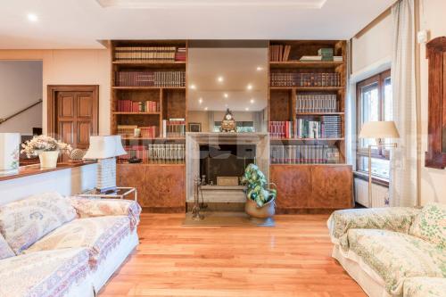 Vai alla scheda: Appartamento Vendita - Roma (RM) | Cortina dAmpezzo - MLS CBI072-868-EX1305