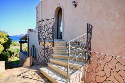 Villa bifamiliare in Vendita a Golfo Aranci