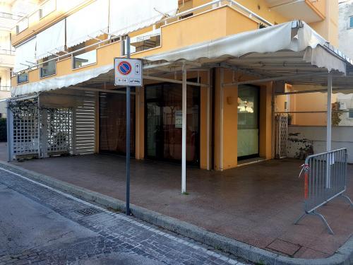 Vai alla scheda: Negozio Affitto/Vendita - Riccione (RN)   ALBA - MLS CBI099-1134-RCEC013