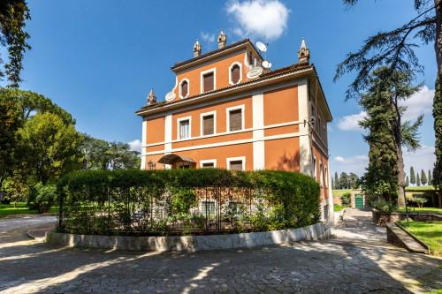 Vai alla scheda: Villa Vendita - Roma (RM) | Appio Latino - MLS -CBI100-160-VILLA ARDEATINA