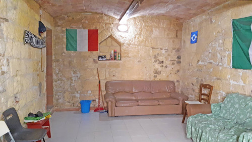 Magazzino in Vendita a Tarquinia