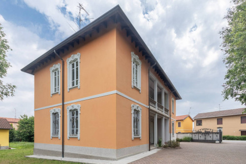 Vai alla scheda: Villa o villino Vendita - Castano Primo (MI) - MLS CBI003-502-HOB 1437