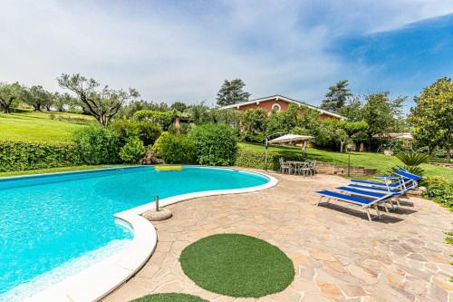 Villa trifamiliare in Vendita a Formello