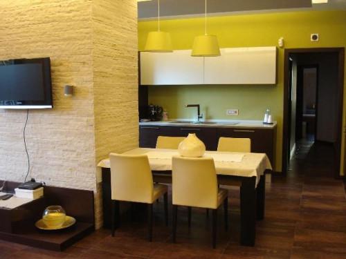 Vai alla scheda: Appartamento Vendita - Ercolano (NA) - MLS CBI091-949-Appartamento ristrutturato con giardino