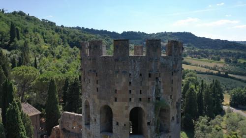 Vai alla scheda: Castello Vendita - Orvieto (TR) - MLS CBI038-PA19039FBG