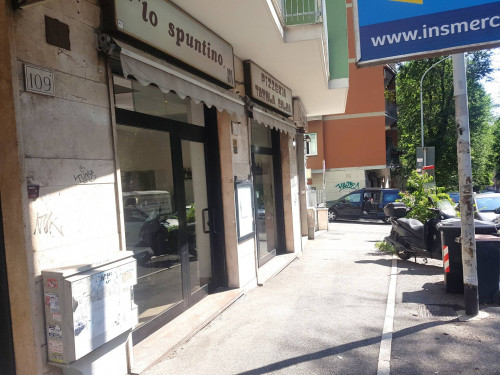Attività commerciale in Vendita a Roma