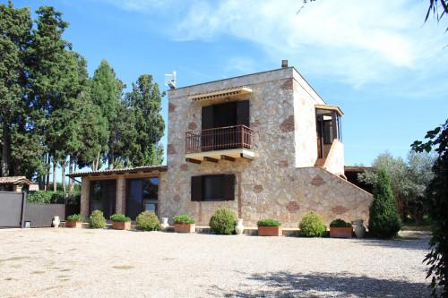 Complesso immobiliare in Vendita a Tarquinia