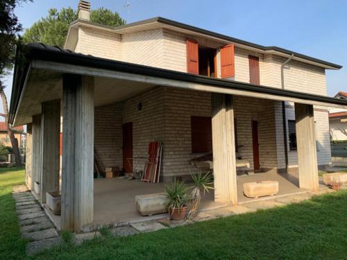 Villa in Vendita a Azzano San Paolo