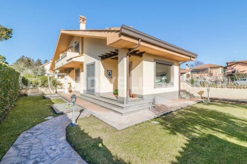 Villa bifamiliare in Vendita a Grottaferrata