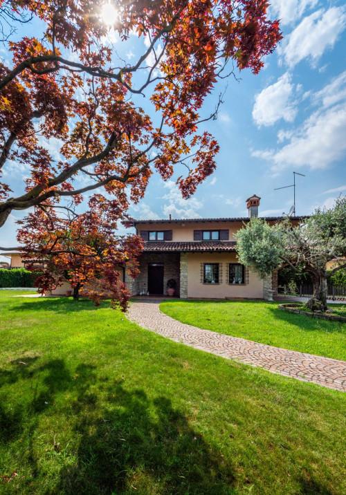 Villa in Vendita a Ghisalba