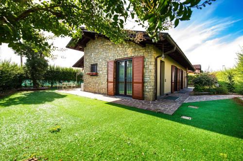 Villa in Vendita a Terno d'Isola