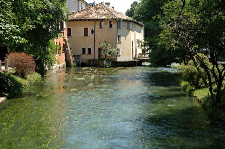 Attività commerciale (licenza) in Vendita a Treviso - Cod. I/SC001