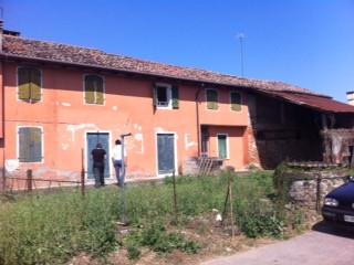 Rustico / Casale in vendita a Casale sul Sile, 12 locali, zona Località: Conscio, prezzo € 170.000   CambioCasa.it