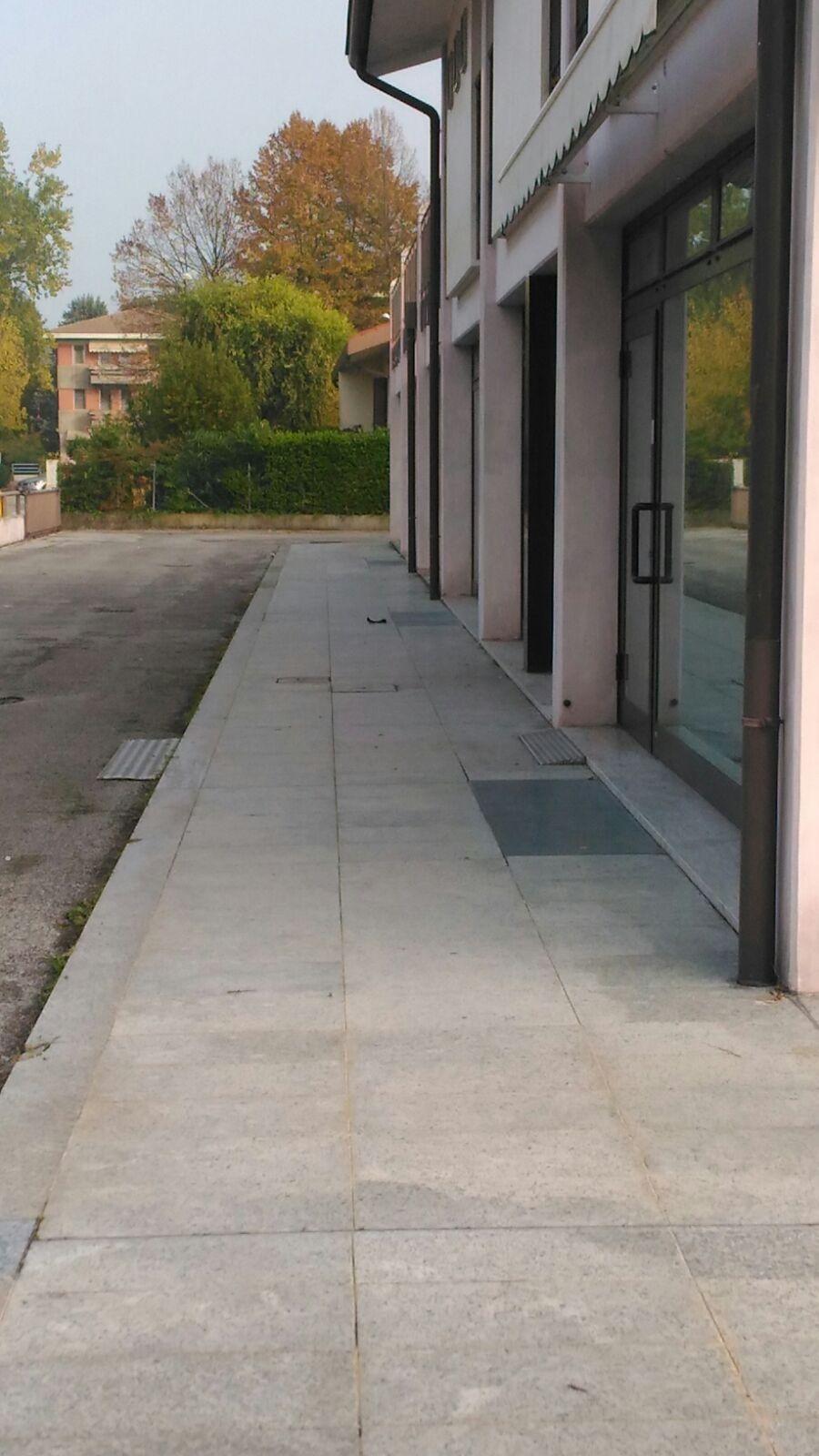 Negozio / Locale in affitto a Preganziol, 9999 locali, zona Zona: Frescada, prezzo € 5.500 | CambioCasa.it