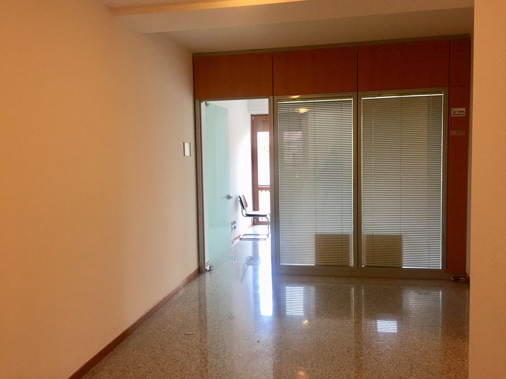 Ufficio / Studio in affitto a Treviso, 9999 locali, zona Località: Centrostorico, prezzo € 1.400 | CambioCasa.it