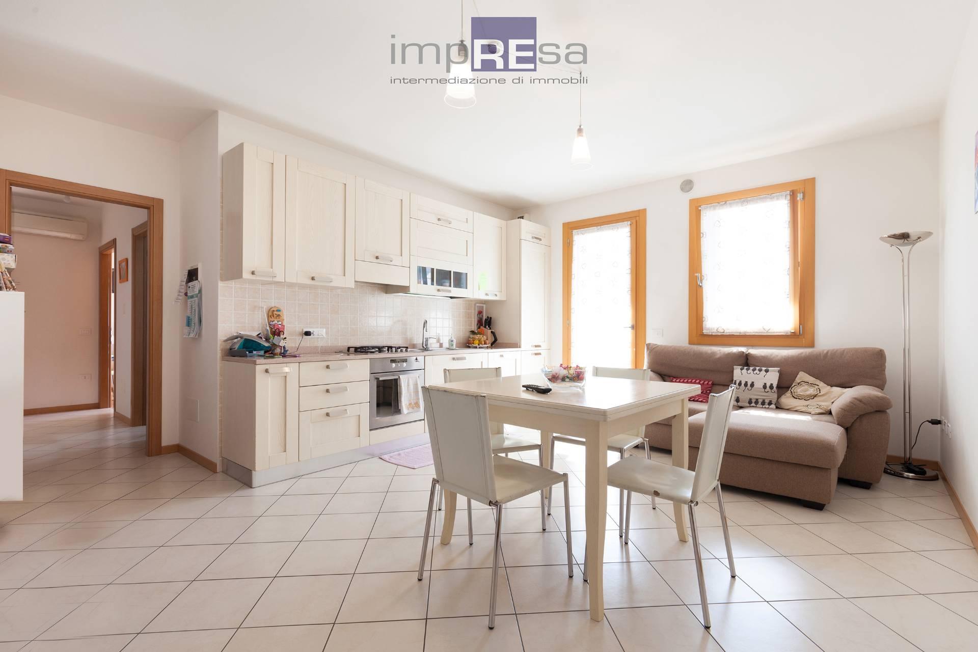 vendita appartamento povegliano   135000 euro  4 locali  75 mq