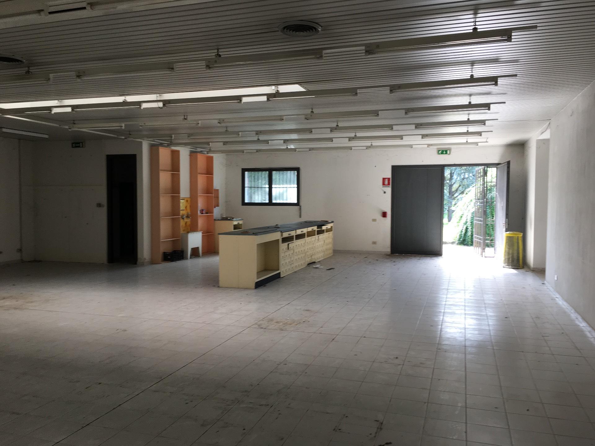 Locale commerciale in Vendita a Treviso - Cod. I/MZ058