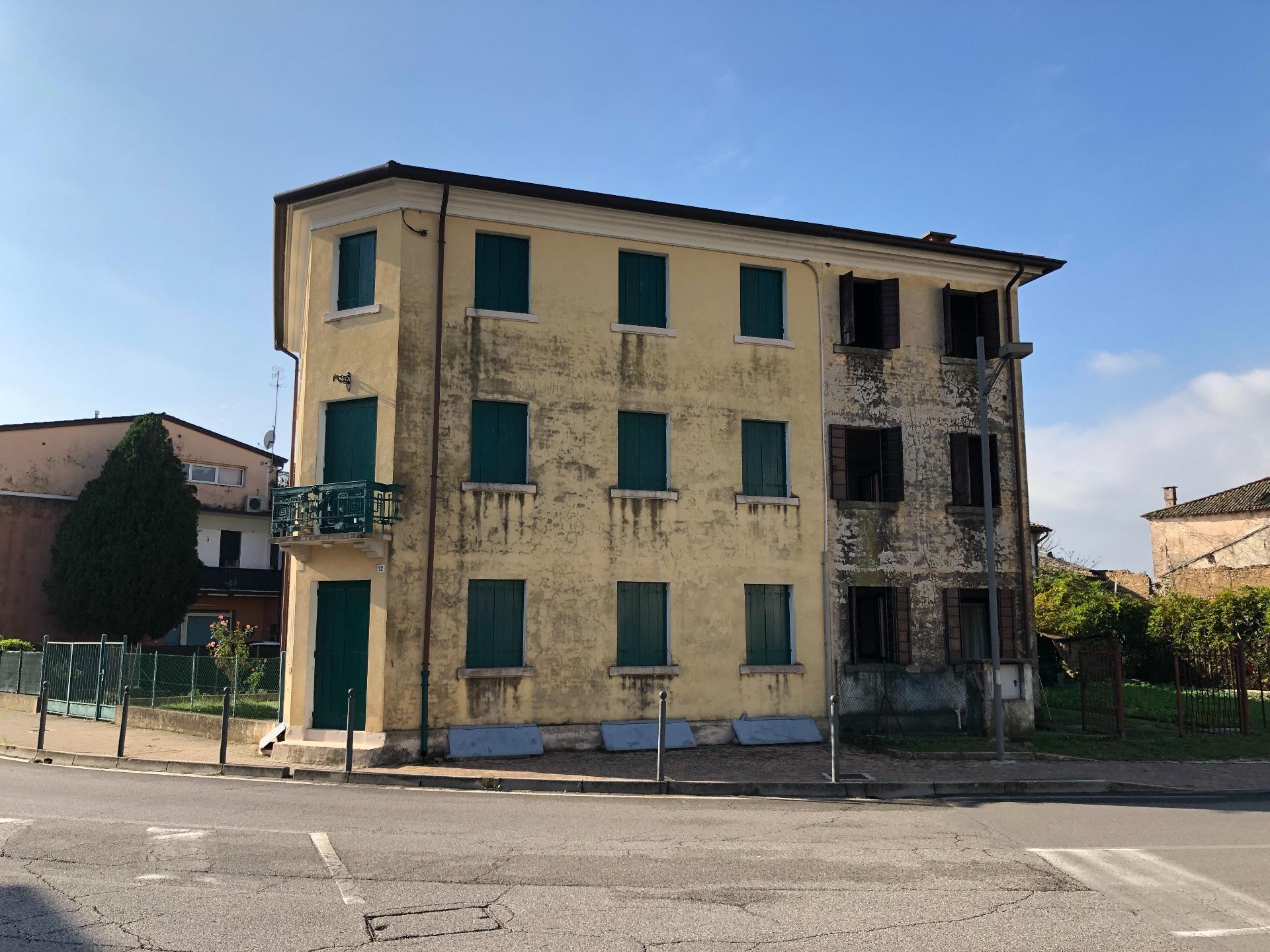 Altro in vendita a Giavera del Montello, 5 locali, zona Zona: Cusignana, prezzo € 65.000 | CambioCasa.it