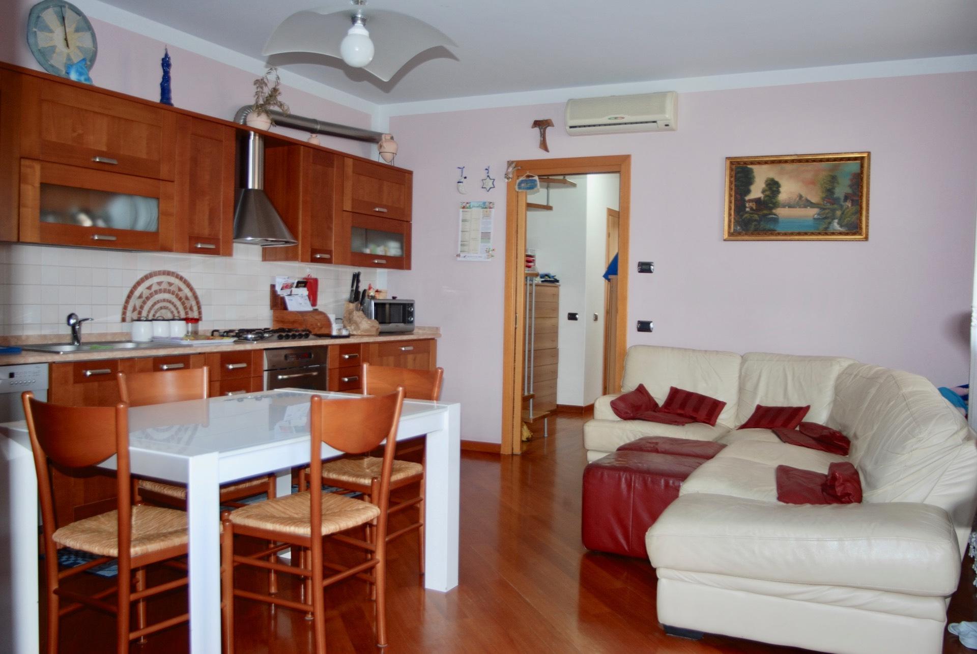 Appartamento in vendita a Maserada sul Piave, 5 locali, zona Zona: Varago, prezzo € 125.000 | CambioCasa.it