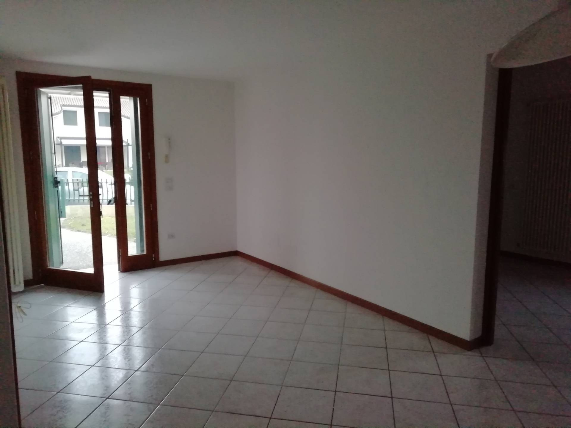 Appartamento in affitto a Scorzè, 3 locali, zona Zona: Peseggia, prezzo € 800 | CambioCasa.it
