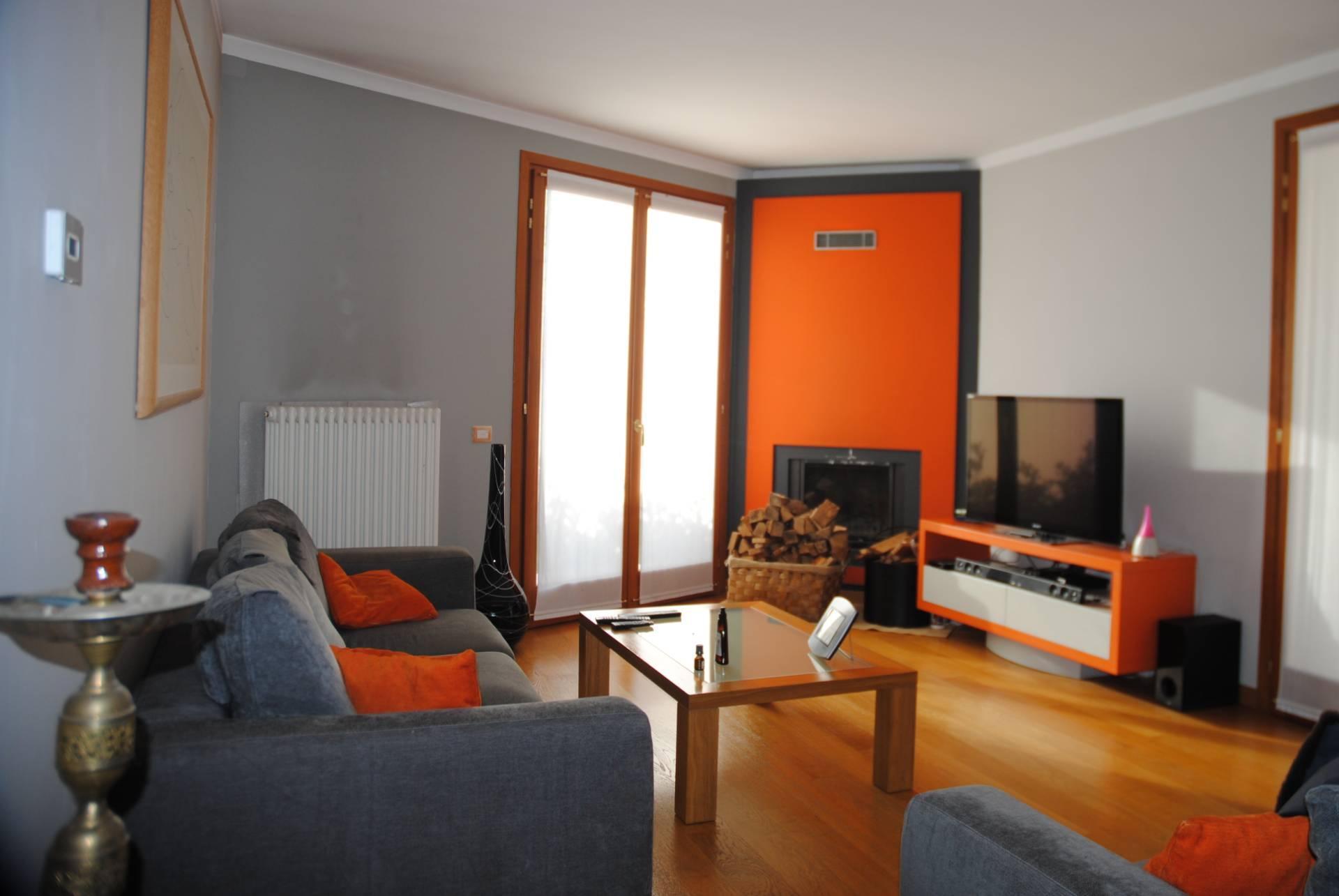 Villa in vendita a Casier, 10 locali, zona Località: Dosson, Trattative riservate   CambioCasa.it