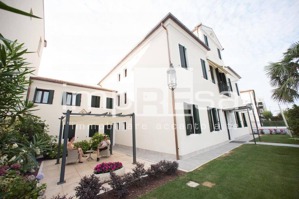 Albergo in vendita a Dolo, 9999 locali, prezzo € 1.400.000 | CambioCasa.it