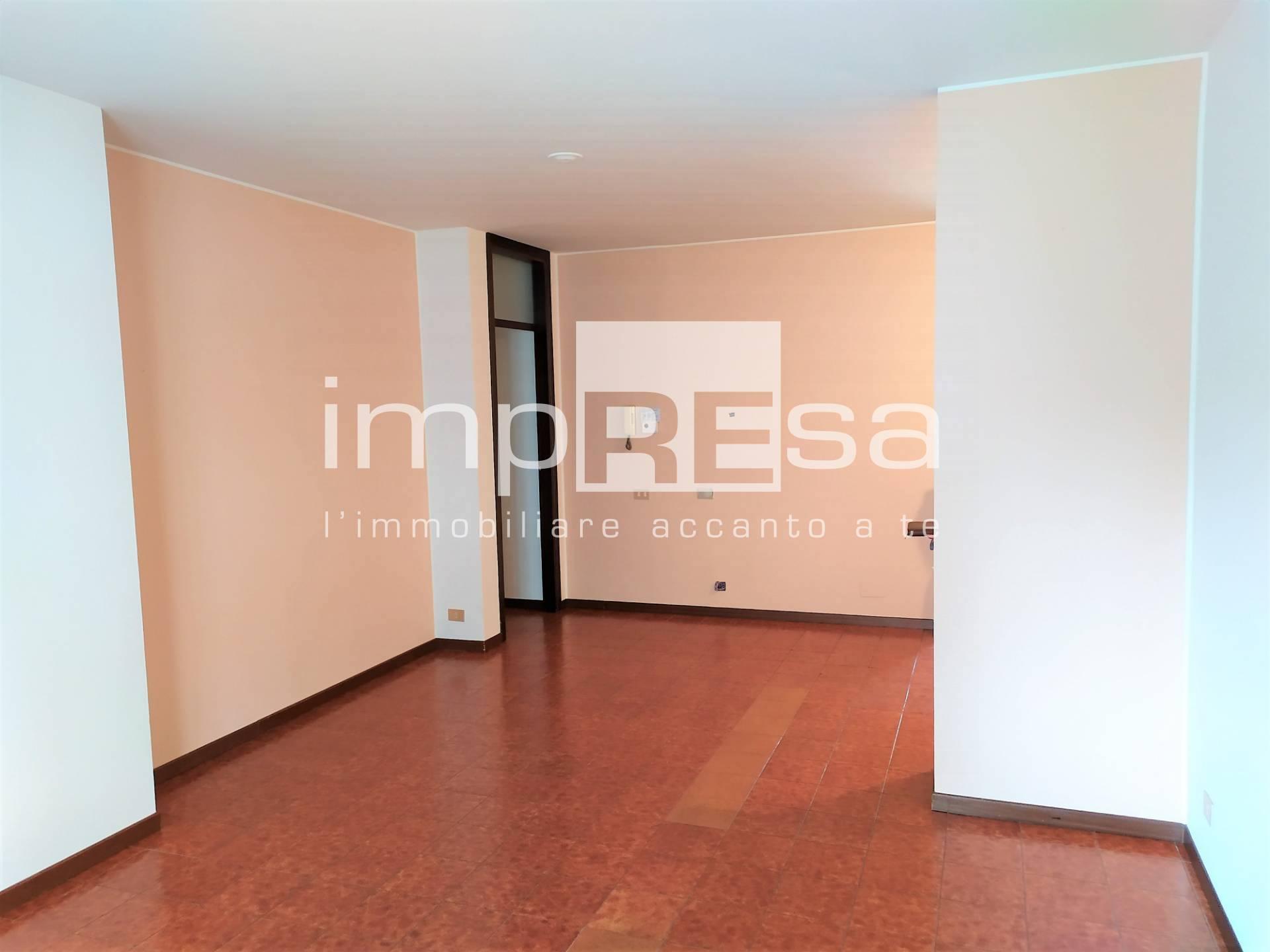 Appartamento in vendita a Conegliano, 5 locali, prezzo € 155.000   CambioCasa.it
