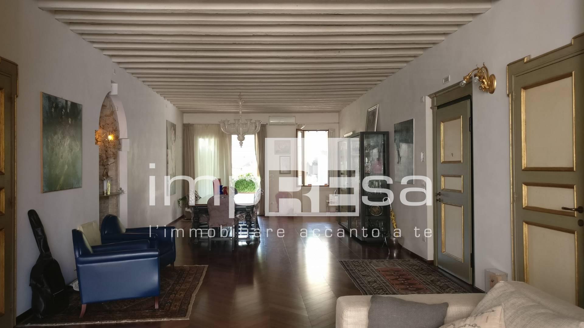 Appartamento in vendita a Motta di Livenza, 8 locali, zona Località: Centro, prezzo € 630.000   PortaleAgenzieImmobiliari.it