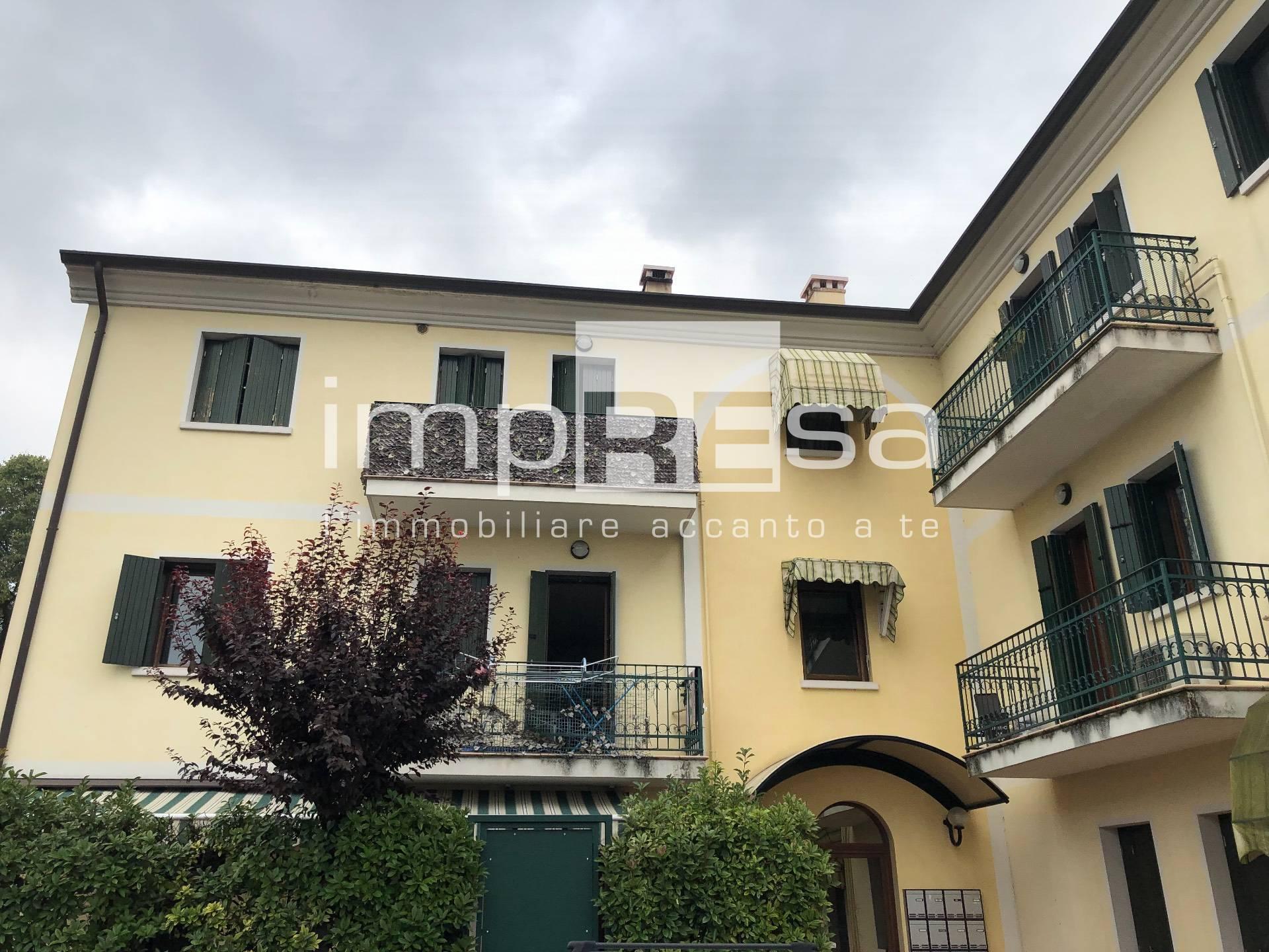 Appartamento in vendita a Spresiano, 5 locali, zona Zona: Visnadello, prezzo € 95.000 | CambioCasa.it