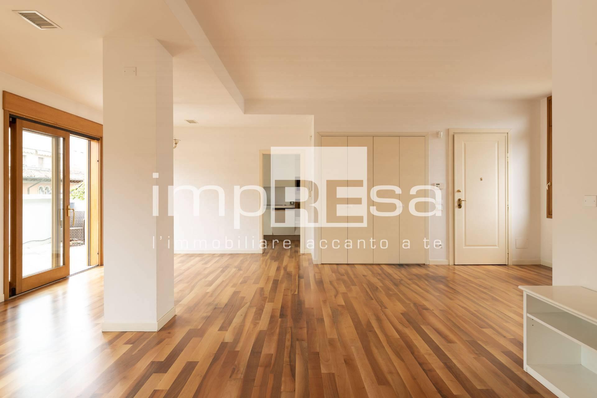 Attico / Mansarda in affitto a Treviso, 9 locali, zona Località: Centrostorico, prezzo € 1.250.000 | CambioCasa.it