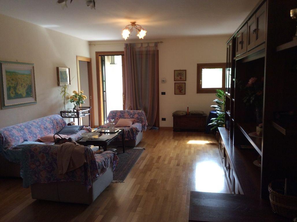 Appartamento in vendita a Colle Umberto, 5 locali, prezzo € 220.000 | PortaleAgenzieImmobiliari.it