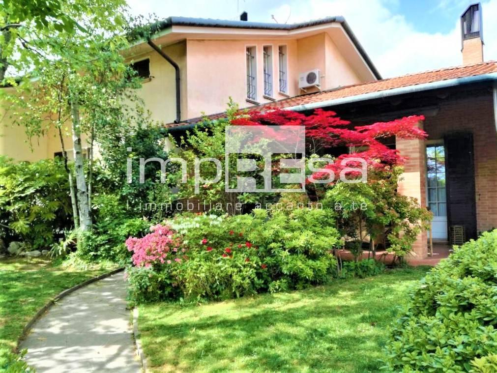 Villa Bifamiliare in vendita a Preganziol, 15 locali, prezzo € 380.000 | CambioCasa.it