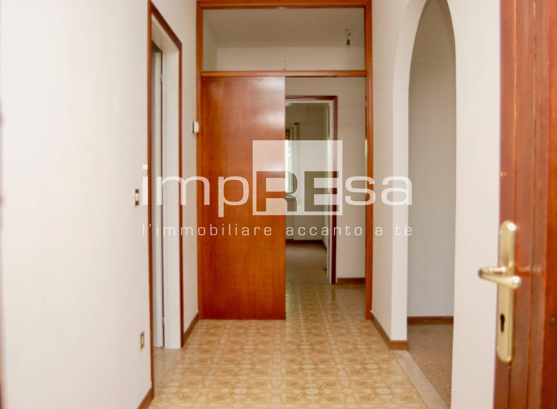 Appartamento in vendita a Treviso, 6 locali, zona Località: Canizzano, prezzo € 120.000 | PortaleAgenzieImmobiliari.it
