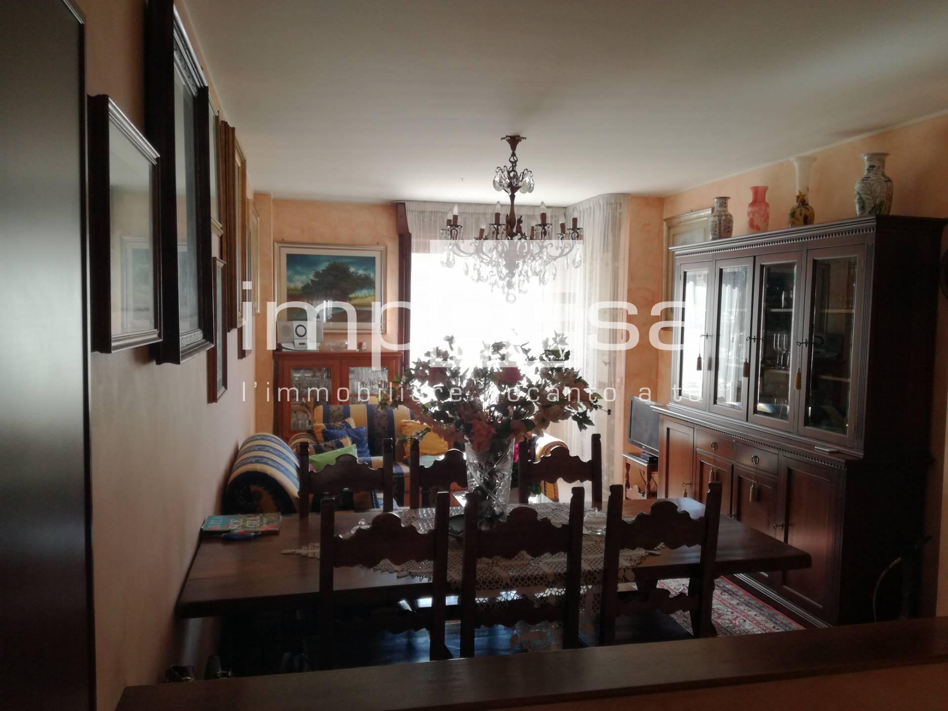 Appartamento in vendita a Conegliano, 6 locali, prezzo € 220.000   CambioCasa.it