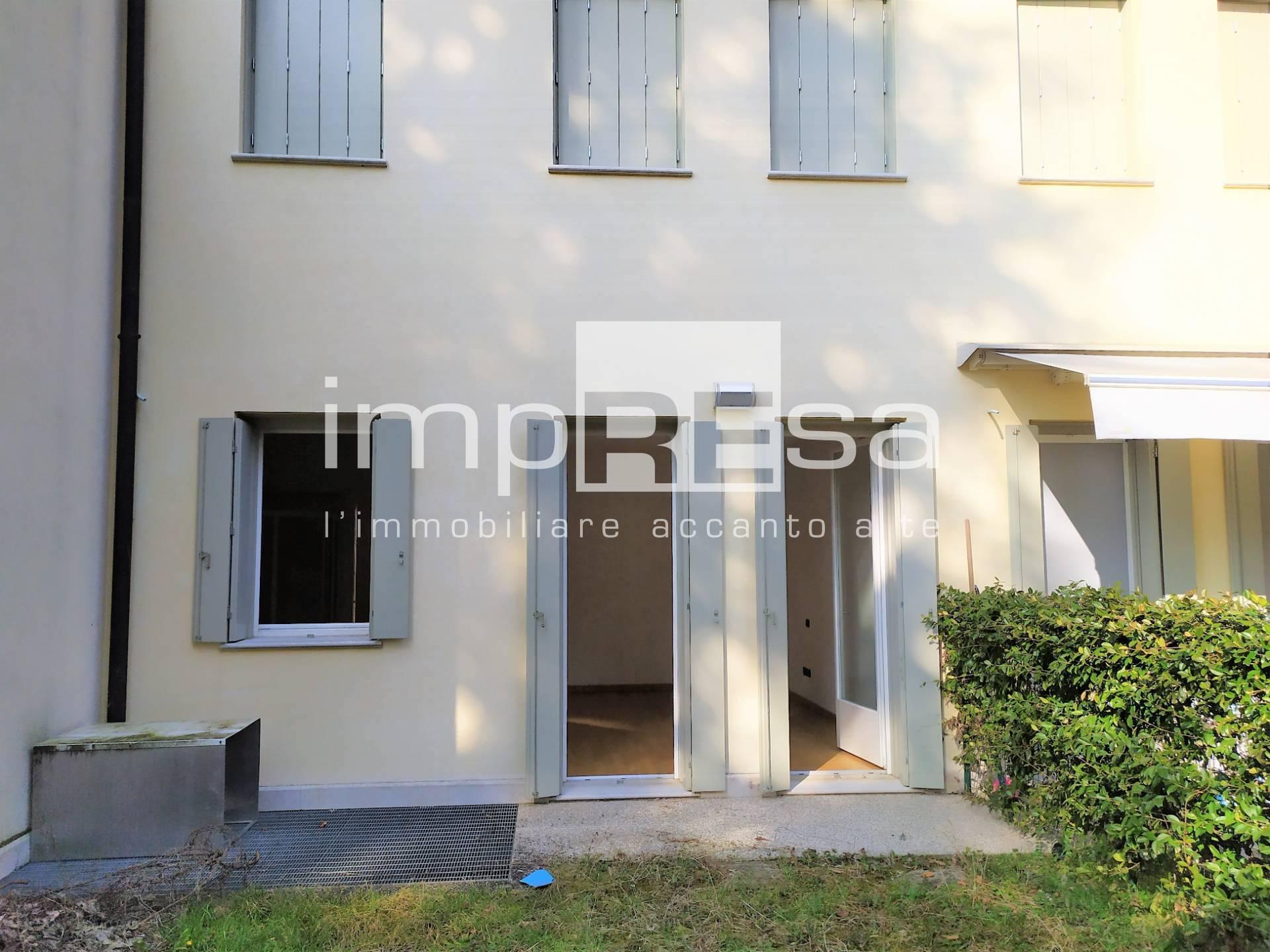 Appartamento in vendita a Susegana, 3 locali, zona Zona: Collalto, prezzo € 100.000 | CambioCasa.it